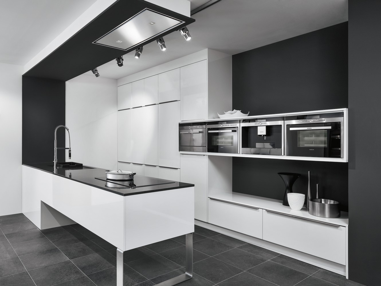 le stratifi brillant cuisine et confidences. Black Bedroom Furniture Sets. Home Design Ideas