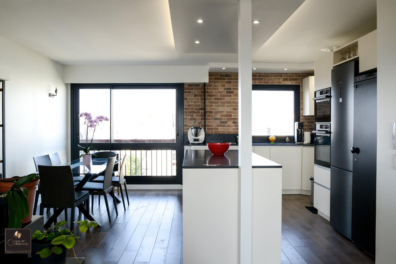 cuisine magnolia avec poign e profil inox cuisine et confidences. Black Bedroom Furniture Sets. Home Design Ideas