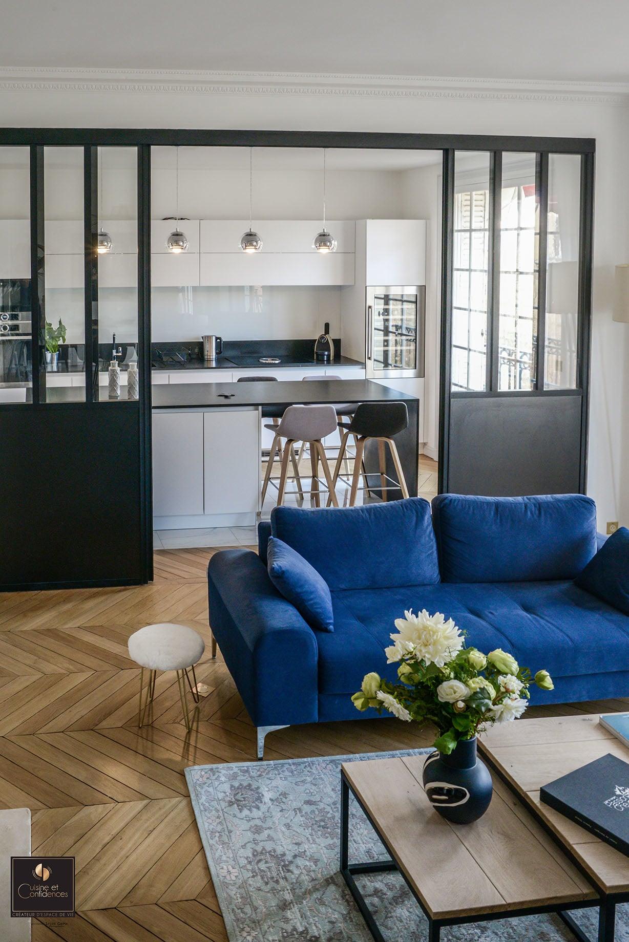 magnifique cuisine aux lignes pur es cuisine et confidences. Black Bedroom Furniture Sets. Home Design Ideas